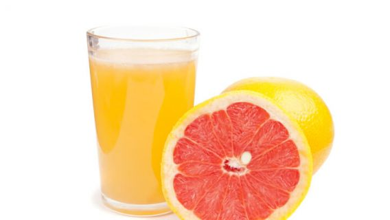 Grapefruit and a cup of juice