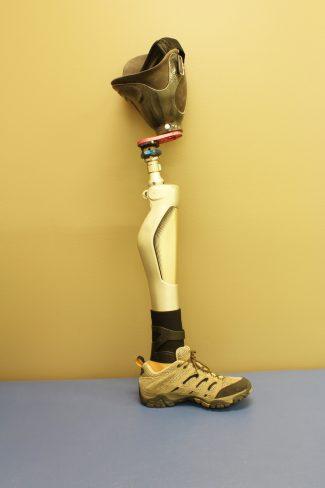 Prosthetic leg for amputee
