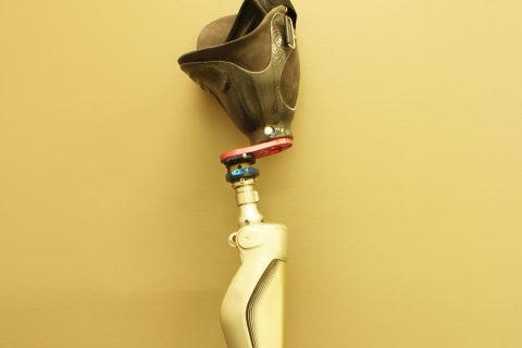 Prosthetic leg for amputee