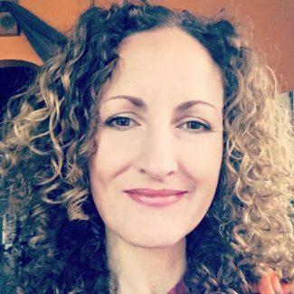 Head shot of Angie Firmalino
