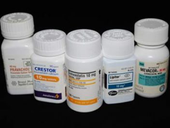 Lipitor, Crestor an other Statin drug bottles